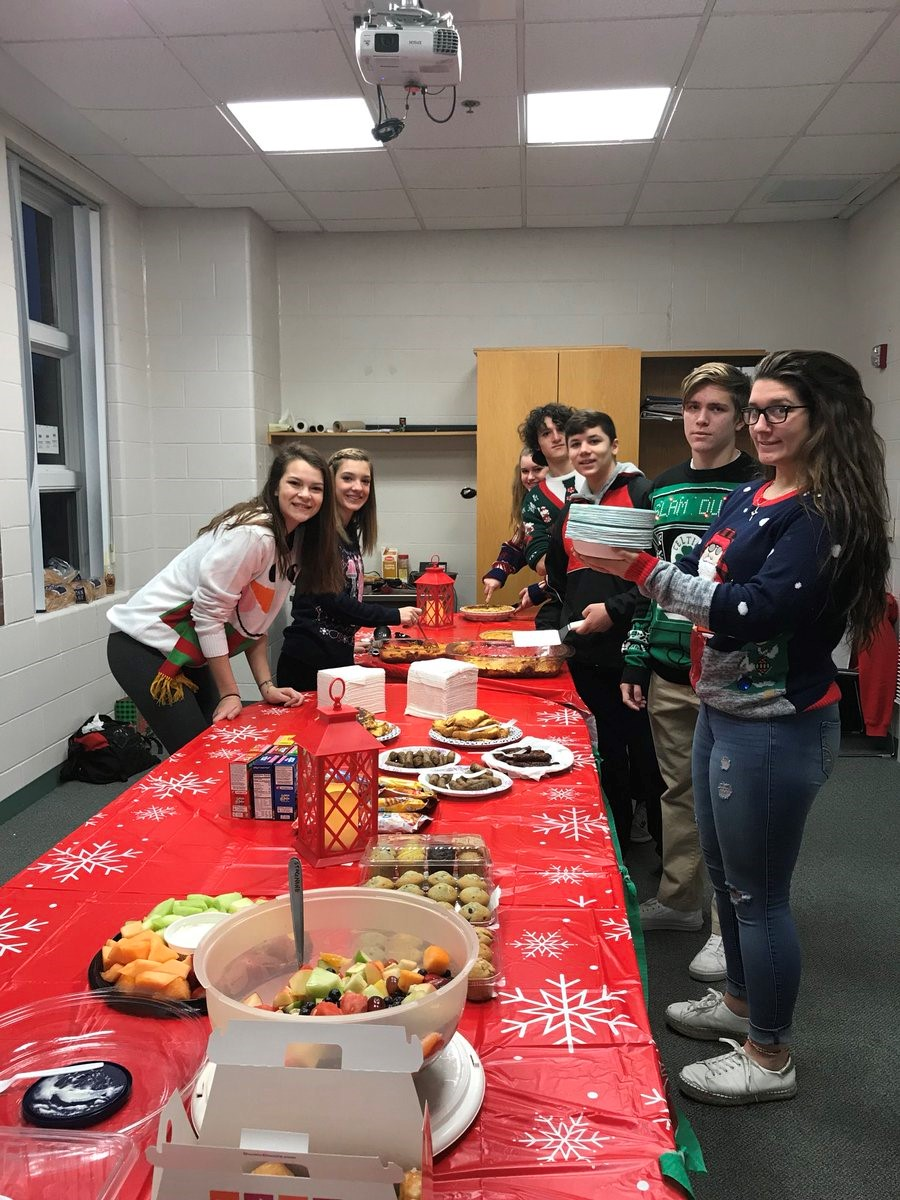 Megan, Jordan, Catie, Matt, Billy, Trevor, and Sarah serving the Teacher Breakfast.